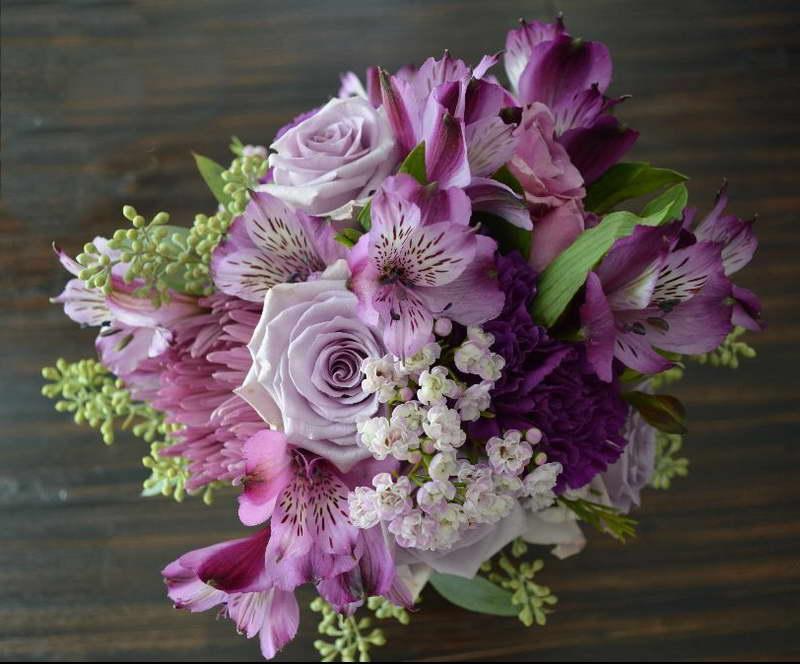 Свадебный букет из роз хризантем и альстромерий фото